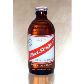 03. Red Stripe Bier, Stubby Bottle, 300 ml